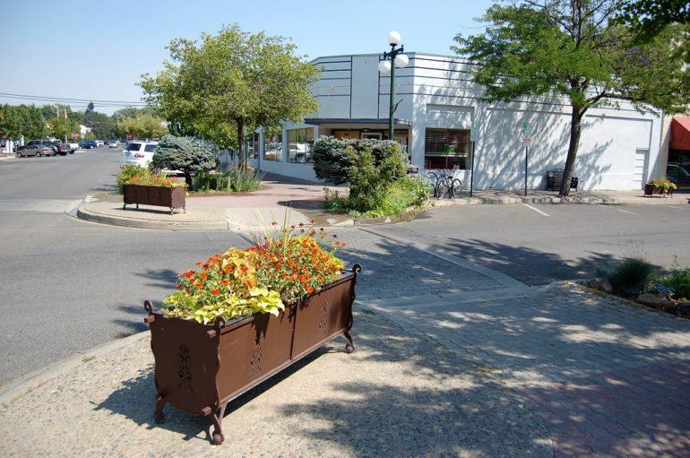 ellensburg street corner