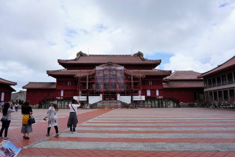 shuri castle front