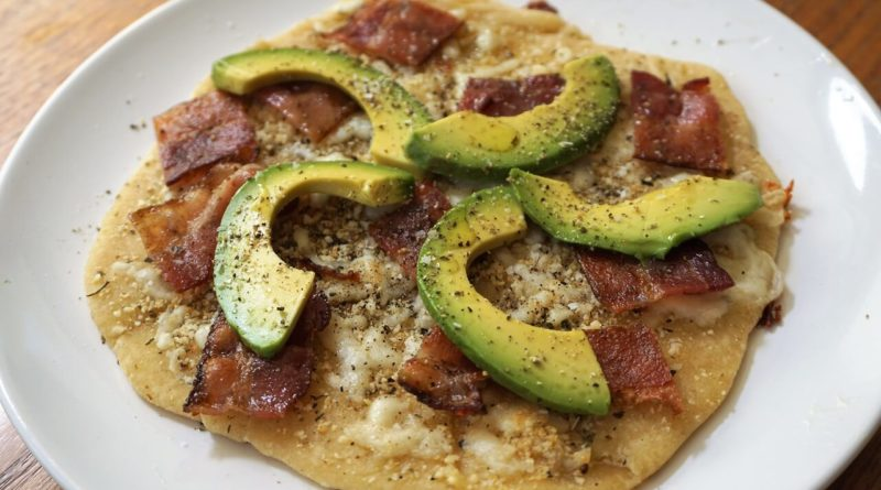 bacon avocado flatbread